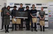 Проекти, базирани на машинно самообучение и игрална конзола спечелиха наградите в Hack 30xTUES